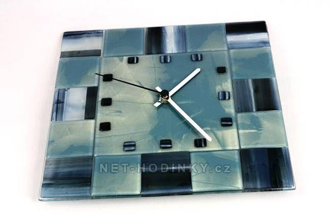 autorské hodiny Čtvercové fusingové skleněné nástěnné hodiny ruční výroby, hodiny na zeď modré