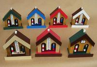 Hodiny na zeď Barometr dřevěný panáček a panenka s lihovým teploměrem Designové hodiny