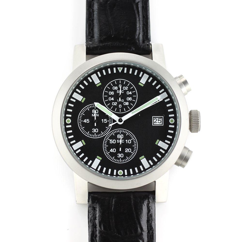 Pánské hodinky s ukazatelem datum s pevným koženým řemínkem..0303 167635 237bb0c2f0
