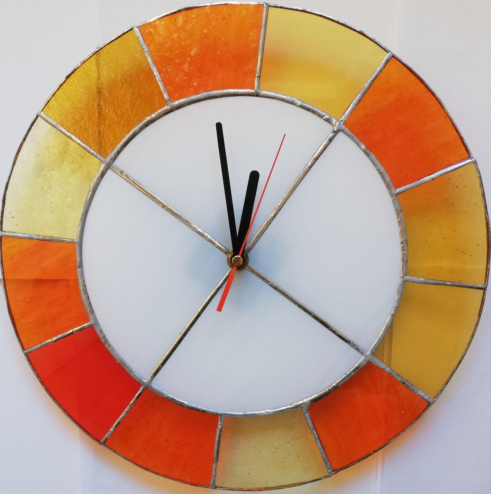 Skleněné hodiny na zeď kulaté hodiny vitráže - originální hodiny autorské hodiny Hodiny