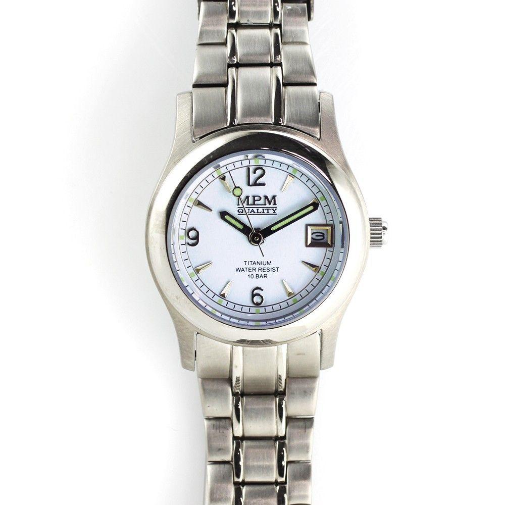 Dámské hodinky v titanovém pouzdře s moderní vzhledem.0210 170598 Hodiny